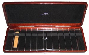 Case for 12 clarinet reeds, wood